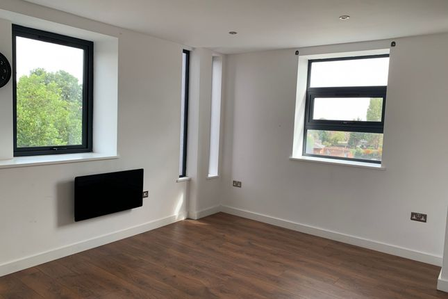 2 bed flat to rent in D B H House, Carlton Square, Nottingham NG4