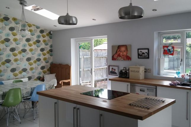 3 bed semi-detached house to rent in Milford Road, Leicester