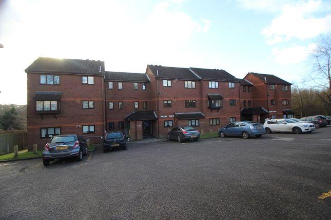 Thumbnail Flat to rent in Lawn Lane, Hemel Hempstead