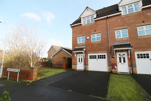 3 bed mews house for sale in Madison Gardens, Westhoughton BL5