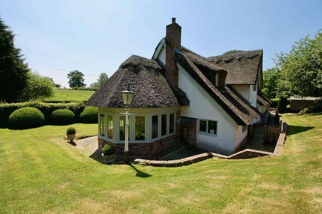 Thumbnail Country house to rent in Fanshawe Lane, Henbury, Macclesfield