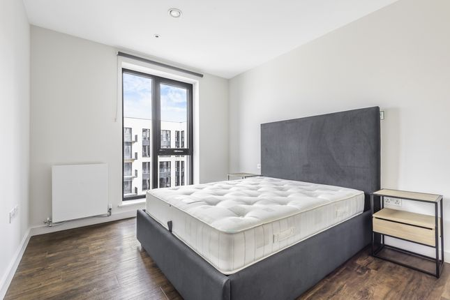 Thumbnail Flat to rent in Grenan Square, Greenford