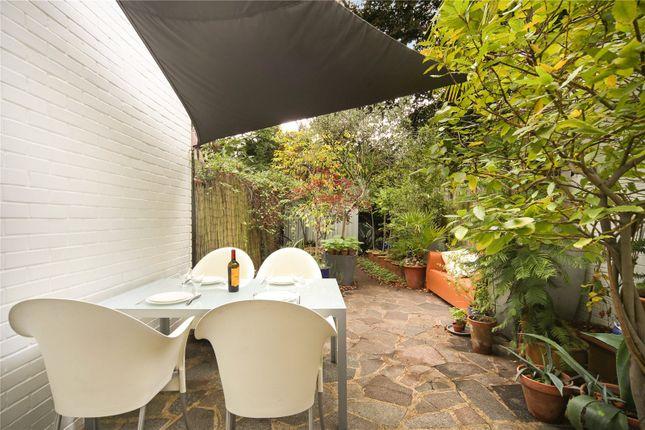 Garden of Paxton Close, Richmond, Surrey TW9