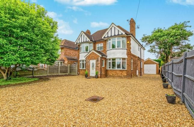 Thumbnail Detached house for sale in Brook Street, Stotfold, Hitchin, Bedfordshire