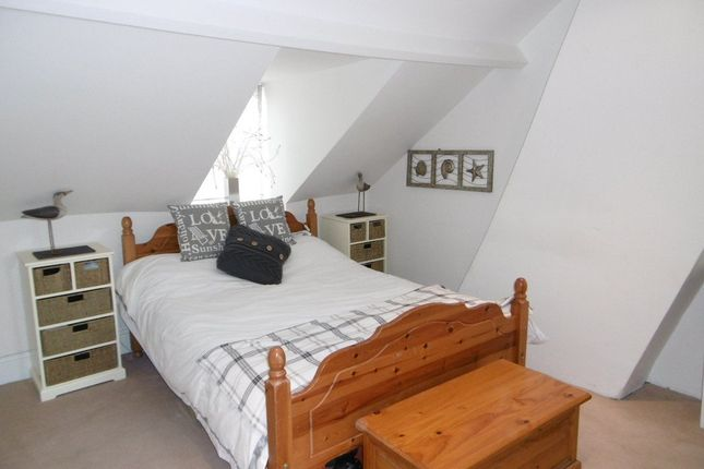 Thumbnail Cottage to rent in The Crofts, Witney