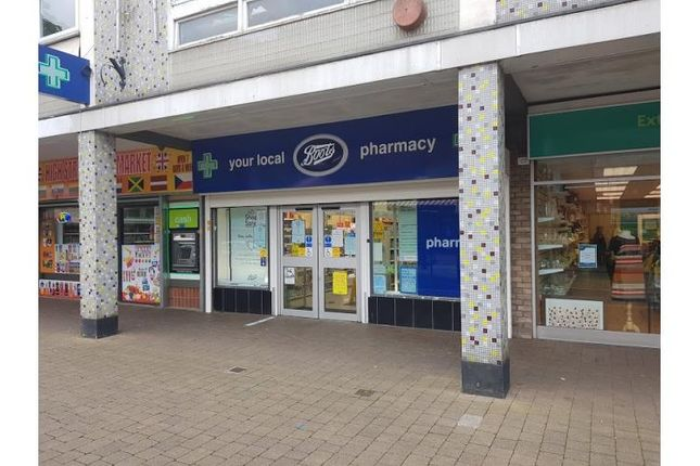 Retail premises to let in High Street, Wednesfield