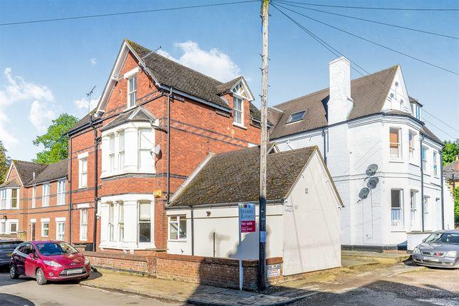 Thumbnail Flat for sale in Grove Road, Leighton Buzzard