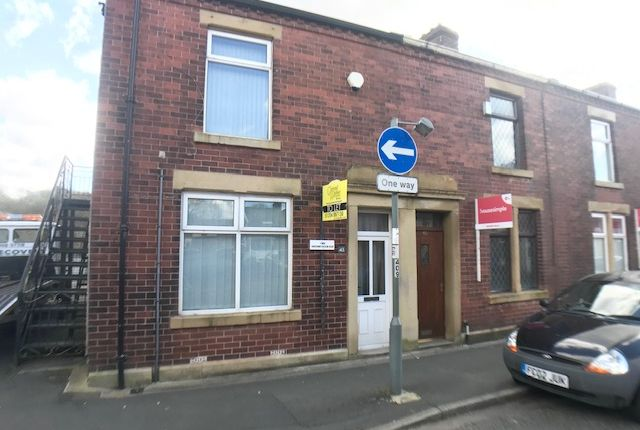 Flat to rent in Nuttall Street, Blackburn