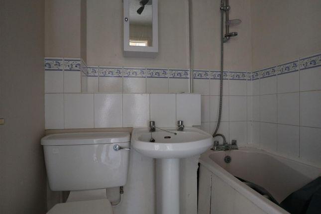 Bathroom of Odette Gardens, Tadley RG26