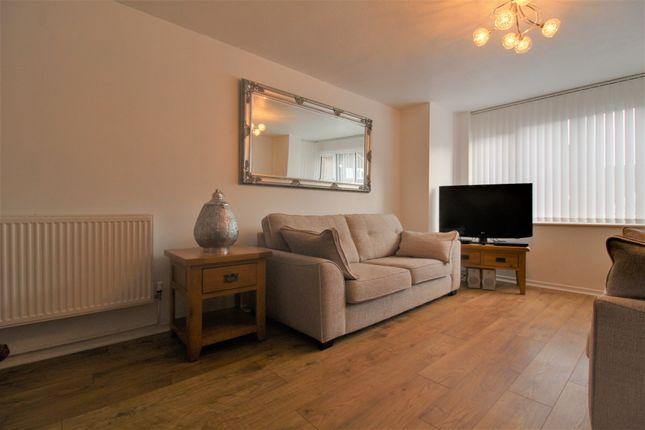 Living Room of Tillingbourn, Fareham PO14