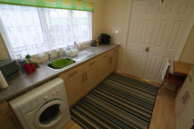 Kitchen of Mill Farm Park, Bulkington, Bedworth CV12