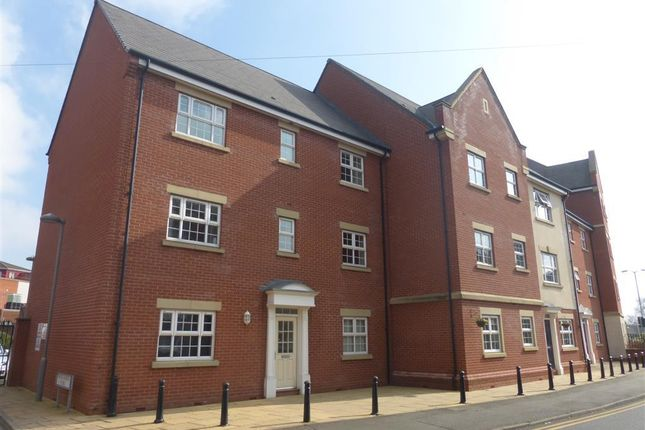 Thumbnail Flat to rent in Manor Gardens Close, Loughborough