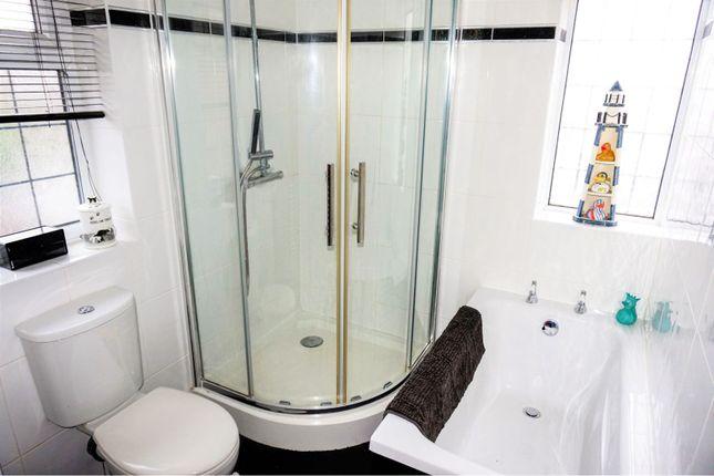 Bathroom of Hartfield Road, Leicester LE5