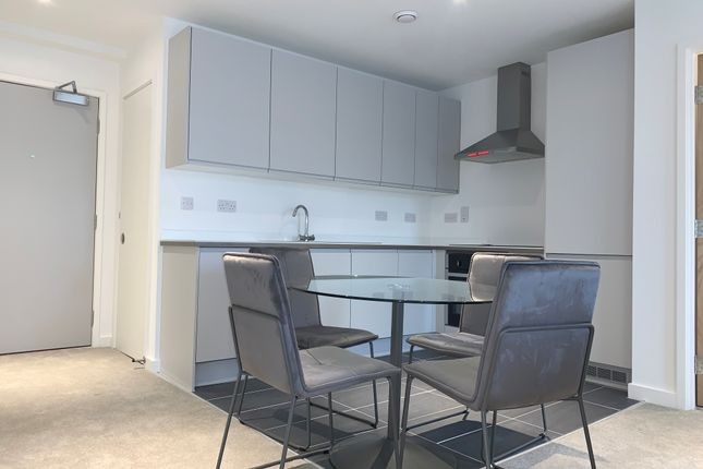 2 bed flat to rent in Boundary Lane, Manchester M15