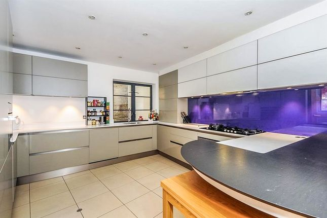 Thumbnail End terrace house for sale in Endell Street, Covent Garden, London