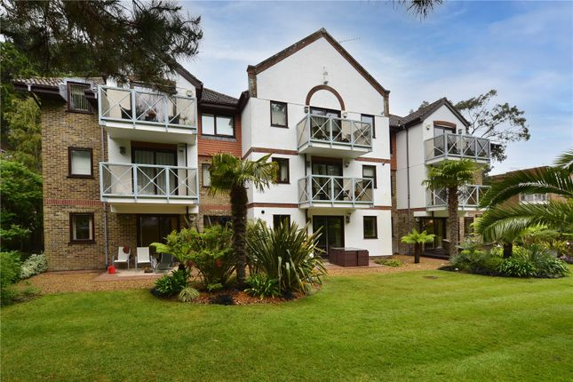 3 bed flat for sale in Salter Road, Sandbanks, Poole, Dorset BH13
