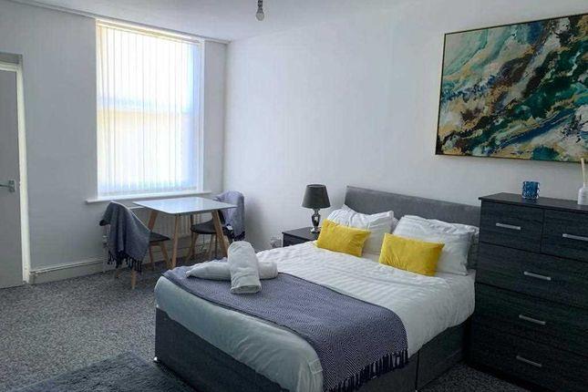 Room 3 of Newsham Drive, Liverpool L6