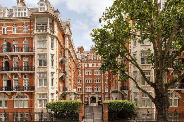Thumbnail Flat for sale in Alexandra Court, 171-175 Queen's Gate, London