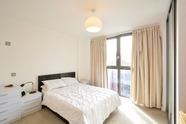 Thumbnail Flat to rent in Silwood Street, London
