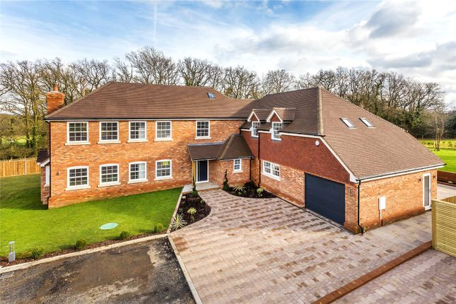 Thumbnail Detached house for sale in Honeypot Farm, Honeypot Lane, Edenbridge, Kent
