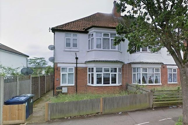 2 bed maisonette for sale in Long Drive, Acton W3