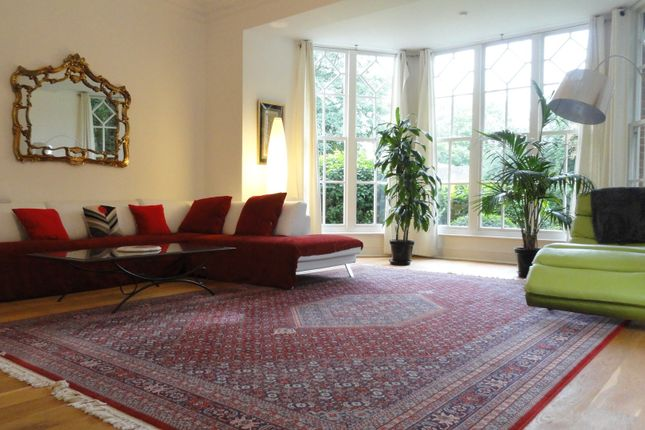 Thumbnail Flat for sale in Rogers Croft, Woughton On The Green