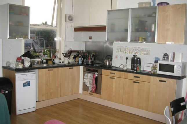 Thumbnail Property to rent in Wilmslow Road, Didsbury, Manchester