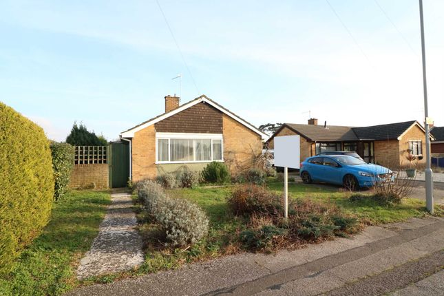 3 bed bungalow to rent in Falcon Drive, Christchurch BH23