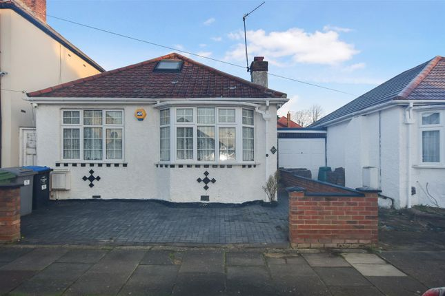 2 bed detached bungalow to rent in Rugby Avenue, Wembley HA0