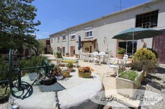 6 bed farmhouse for sale in Aude, France