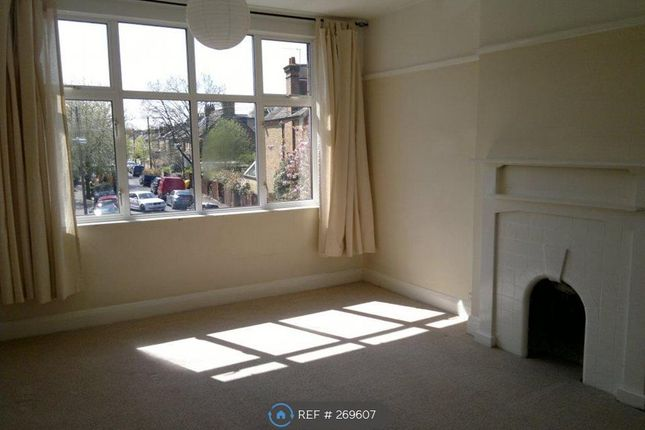 2 bed maisonette to rent in Priory Road, Hampton