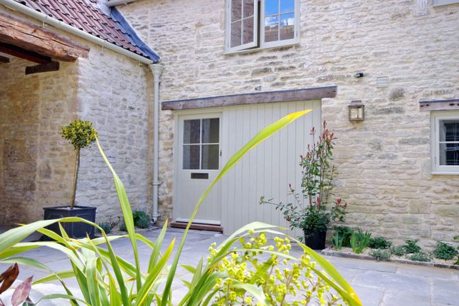 Thumbnail Cottage for sale in Ostlers, 7 The Crown, Marshfield, South Glos