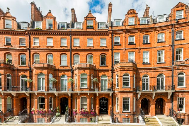 Flat to rent in Lennox Gardens, London