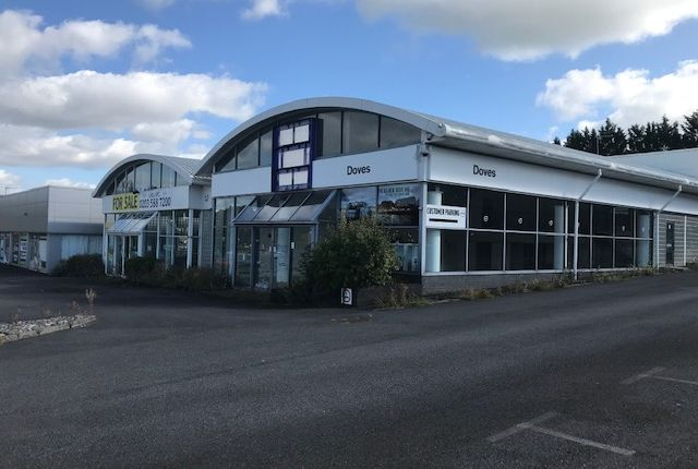 Thumbnail Commercial property to let in Former Car Dealership, Pendle Street, Blackburn