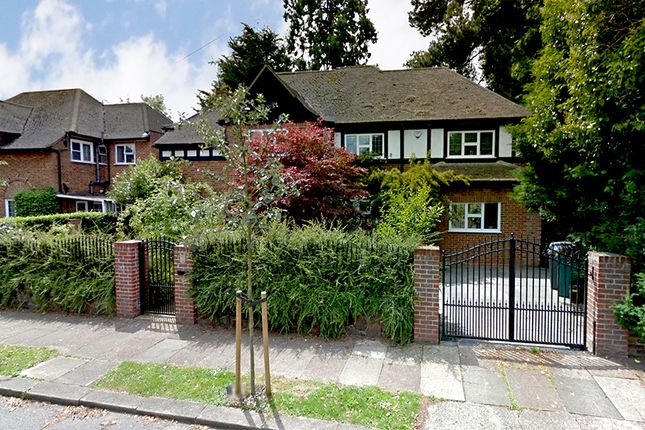 6 bed detached house for sale in Cedars Close, London