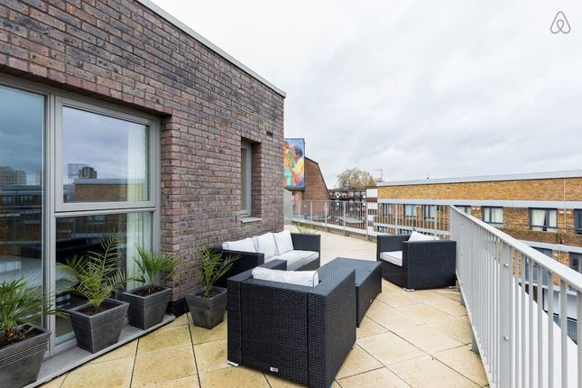 Thumbnail Flat To Rent In Stockwell Park Walk London