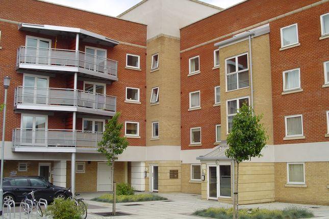 Thumbnail Flat to rent in Creek Road, London