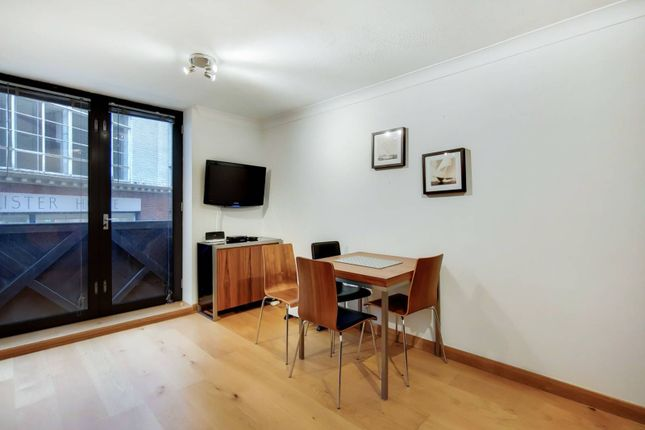 1 bed flat for sale in Bartholomew Close, Barbican, London EC1A
