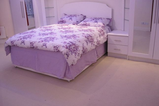 Thumbnail Flat to rent in Agnes Road Area, Acton