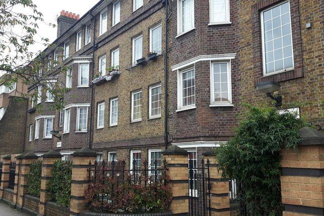 Thumbnail Flat to rent in Roman Road, London