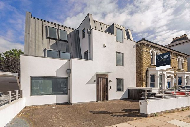 5 bed property to rent in Wellesley Road, London W4