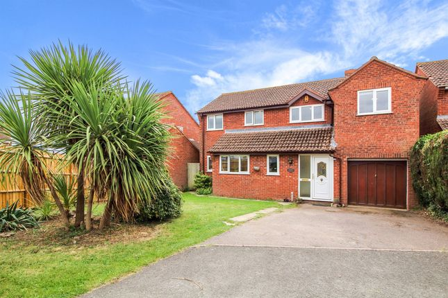 Thumbnail Detached house for sale in Trefoil Close, Malvern