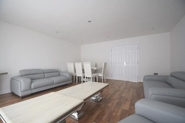 Living Room of Arden Close, Hayes UB4