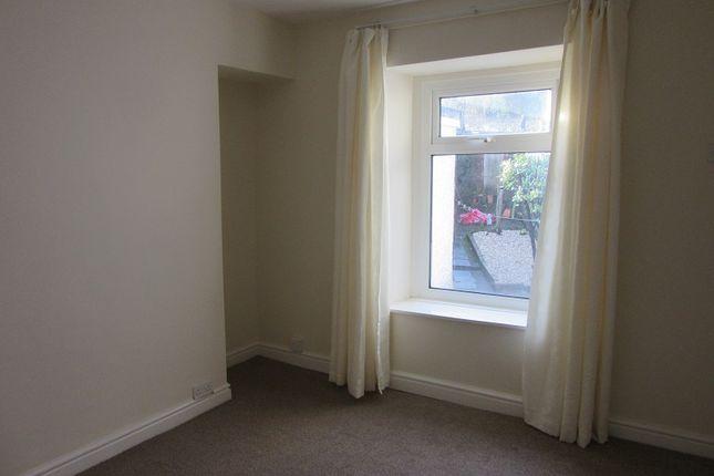 3 bedroom terraced house to rent in Evans Terrace, Mount Pleasant, Swansea. 6Yh.
