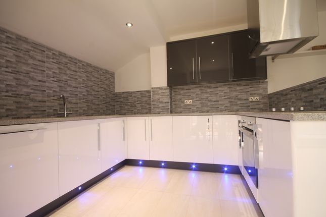 Thumbnail Flat to rent in A Lansdowne Terrace, Newcastle Upon Tyne