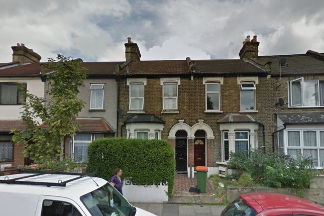 2 bed flat for sale in Boundary Road, London