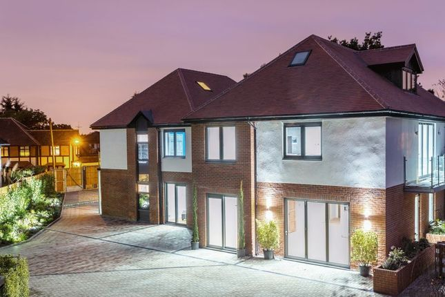 Thumbnail Flat for sale in 1 Mayfair Lodge, Eden Lodges, Chigwell