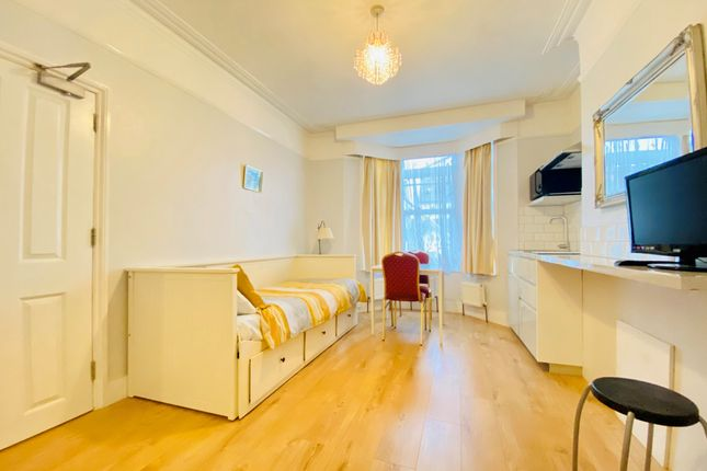 Thumbnail Flat to rent in Grant Road, Addiscombe, Croydon