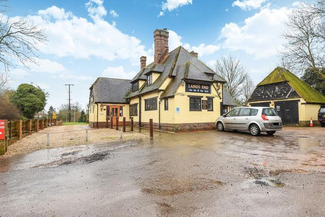 Thumbnail Pub/bar to let in Landsend Lane, Lands End, Twyford, Reading