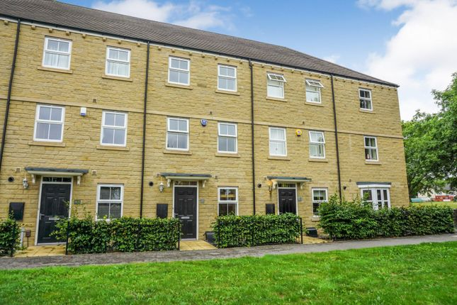 Thumbnail Town house for sale in Scholes Lane, Cleckheaton